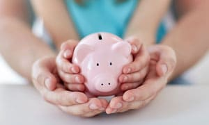 7 Ways a Single Parent Can Stay Financially Fit