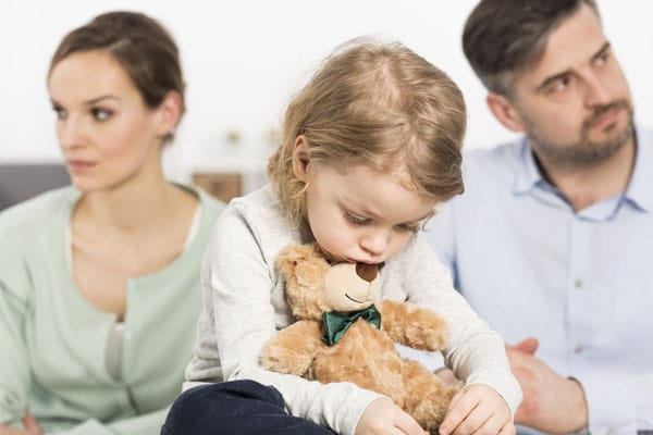 Small Heartbreak: 4 Tips for Telling Your Child About Your Divorce